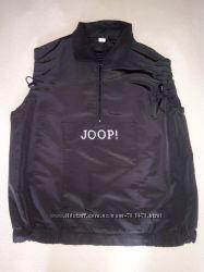 Фирменный жилет JOOP.