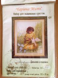 Вышивка крестиком Девочка с голубем