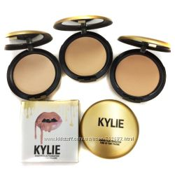 Пудра компактная Kylie Powder Plus Foundation  Кайли