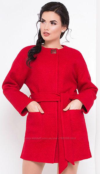 Пальто  от Modus  ткань букле в распродаже 44 46 размер