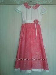 Нарядное, нежное платье в хорошем состоянии