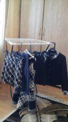 Одежда школьная для девочки р. 122-140 в хорошем состоянии