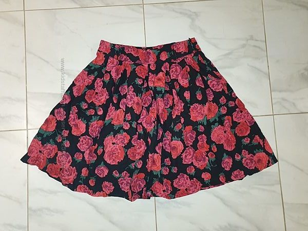 Юбка в розы, размер- 12, С-ка, М-ка, 36- 38 размер
