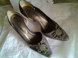 Кожаные туфельки под питона Carlo Pazolini 37р. одеты пару раз