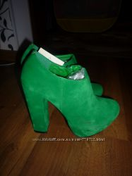 Яркие зеленые  ботильенчики