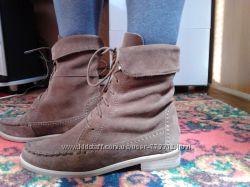Стильные ботинки  MARKS & SPENSER LIMITED COLLECTION р-р 37, стелька 23. 5