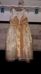 Нарядное платье на 4-6 лет. Длина - 77 см.