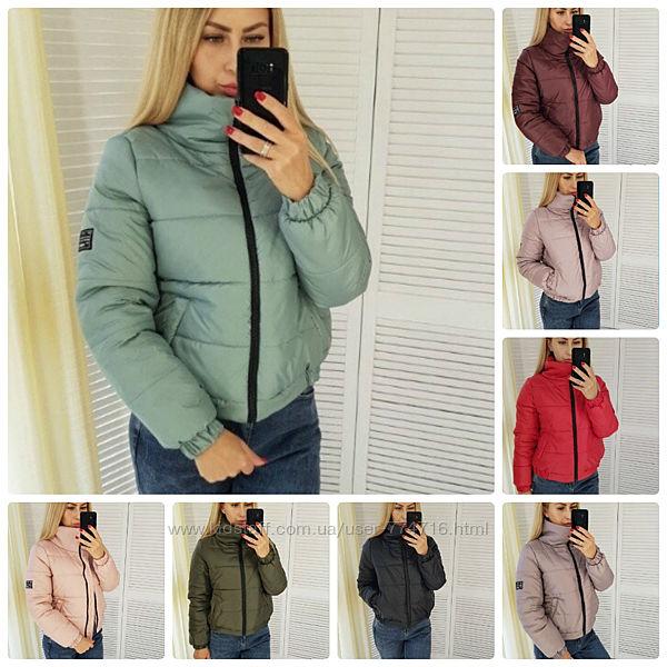 Красивая женская куртка демисезонная короткая прямого покроя без капюшона в