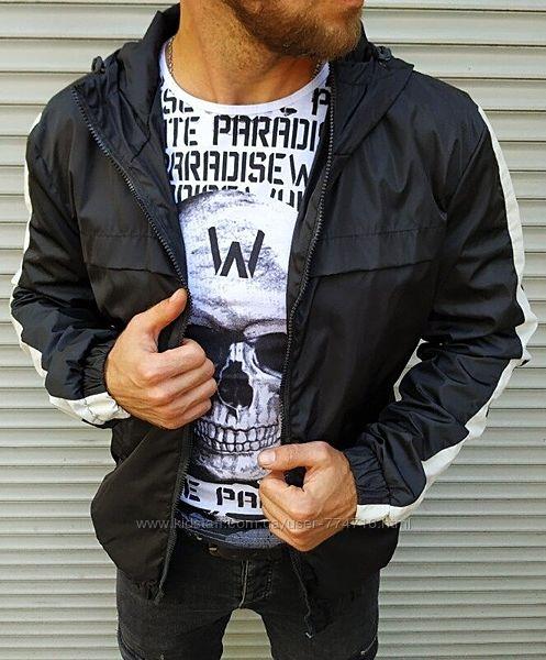 Мужская черная ветровка с капюшоном, на молнии, полоса ну рукавах
