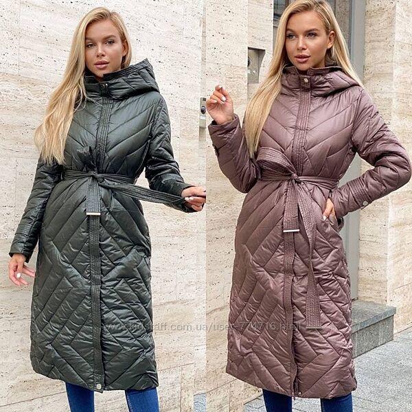 Стильное удобное пальто стеганное на холофайбере с капюшоном, карманами