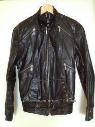 черная кожаная курточка М, идеал состояние
