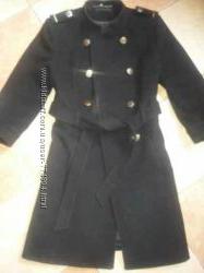 Стильное пальто в стиле мелитари