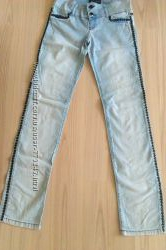 Шикарные джинсы в камнях в идеале FRJ одеты 2 раза