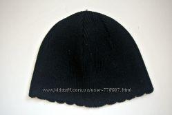 Красивая чёрная женская шапка.