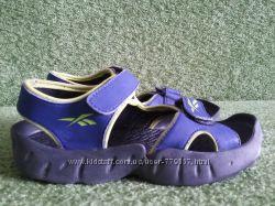 Продам сандали Reebok