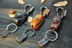 Стильный кожаный брелок для ключей с чехлом для костей