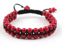 Стильны  регулируемый  браслет из  двух рядов круглых красных  кораллов