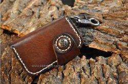 Стильный чехол для ключей из натуральной кожи растительного дубления.