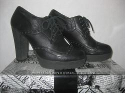 Кожаные туфли Luciano Carvari 37 р.