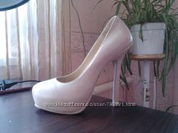 Красивые туфельки YSL