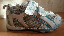 Продаю кроссовки на мальчика или девочку 22 размер 13, 5 см