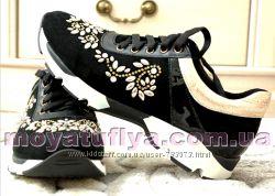 Новая коллекция кроссовок  от лучших производителей