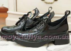 Шикарные кожаные туфли ботильоны