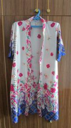 халат атласный с цветочным принтом