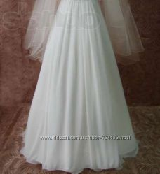 Продаю красивое свадебное платье 900