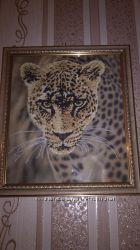 Картина вышитая бисером в рамке Леопард