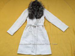 Шикарное новое пальто молочного цвета  с поясом. D&G копия.