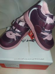 Качественные демисезонные ботиночки Лапси 25 р-ры