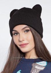 Модна шапка з вушками сірого кольору