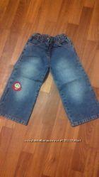 джинсики с клубничкой  MOTHERCARE на 3-4