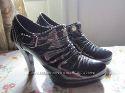 Ботиночки черные лаковые