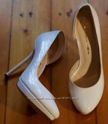 Продам свадебные туфли Fellini