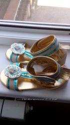 новые красивые сандали р30-31 куплены в Америке