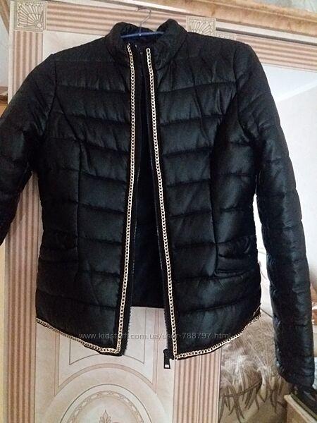 ФІрмова осіння куртка 42-44 розмір. Стан нової