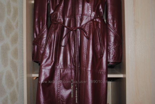 #1: Кожаное пальто