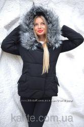 Женская Зимняя куртка короткая с мехом и карманами, полномерная объемная