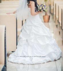 Свадебное платье  Снизила цену