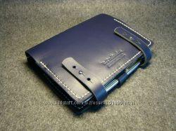 Синий кожаный органайзер ежедневник.