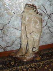 Продаю кожаные ботфорты сапоги, бежевые, 39 размер
