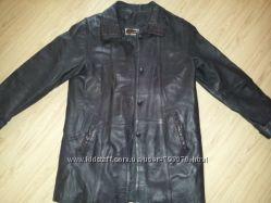 Стильная, кожаная куртка в идеальном состонии