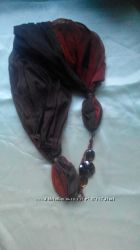 шарф з прикрасою з каміння