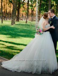 продам шикарное свадебное платье цвета лайт айвори