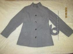 Пальто на подкладке 48 рр.
