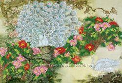 Белые павлины. Ткань с рисунком для вышивания бисером ТМ Маричка