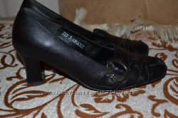 Продаю кожаные туфли  Alexander