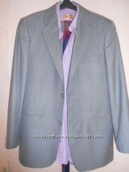 продам костюм с рубашкой и галстуком 46 размер